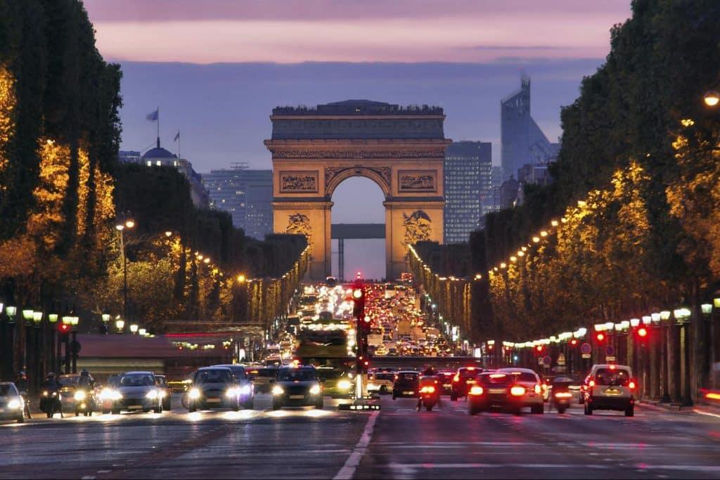 ou dormir a Paris Champs Elysées