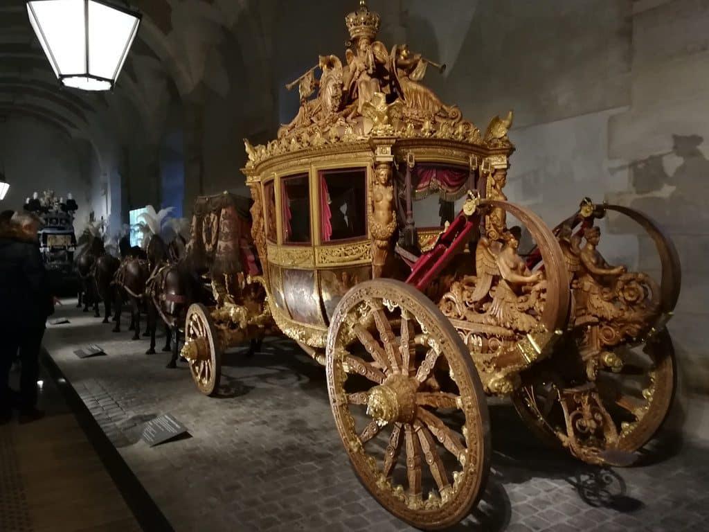 Galerie des Carrosses chateau Versailles