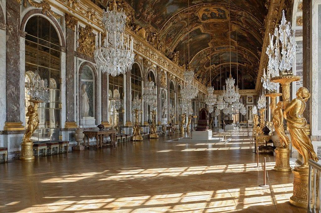 Galerie des Glaces chateau de Versailles