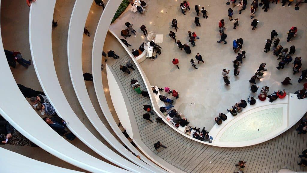 visiter musee Guggenheim New York escalier