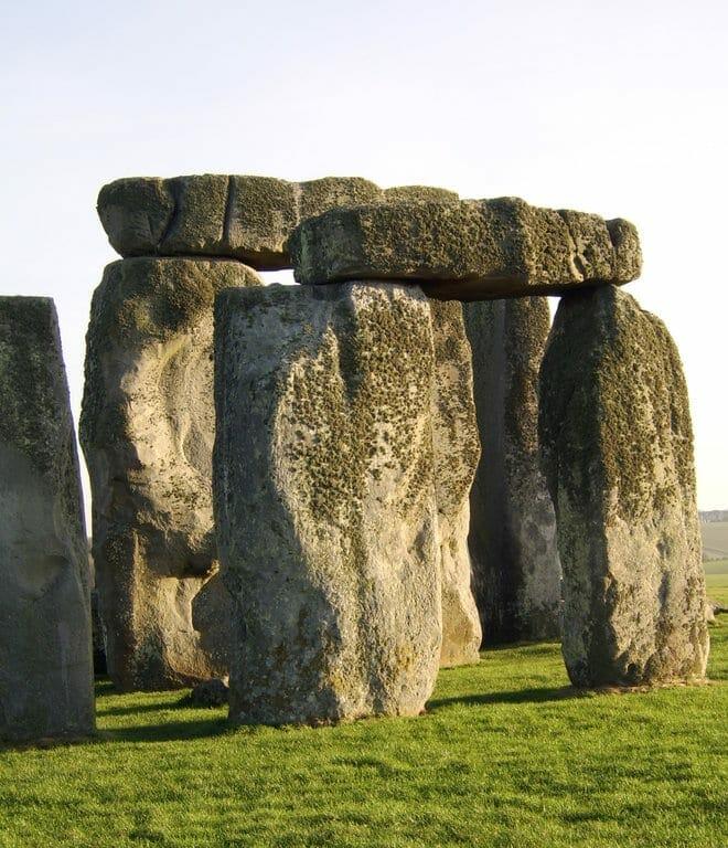 stonehenge dolmen
