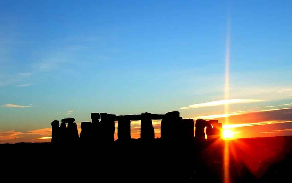 visiter stonehenge coucher soleil