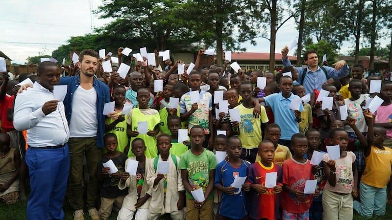 film dons kits ecole burundi