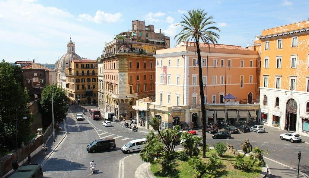 voyage a rome largo magnanapoli