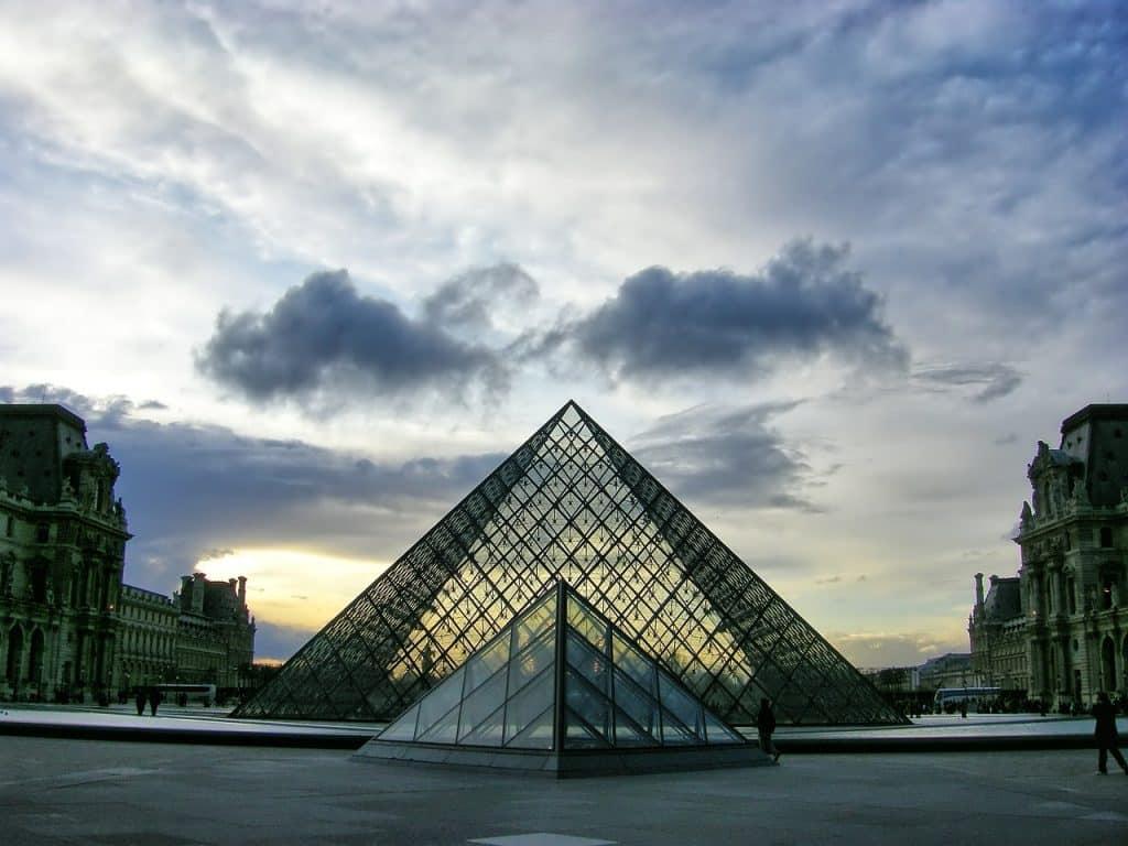 billet louvre paris pyramide