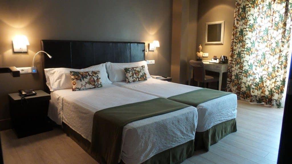 dormir madrid hotel moderno