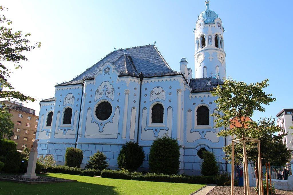 visiter bratislava eglise bleue art nouveau