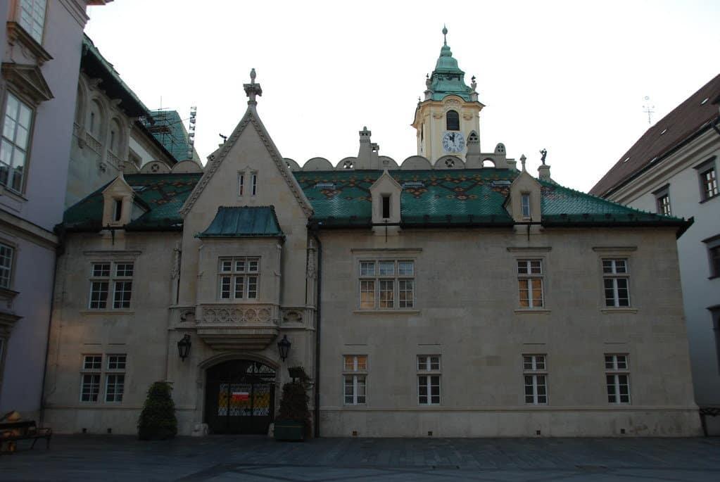 visiter bratislava hotel de ville place