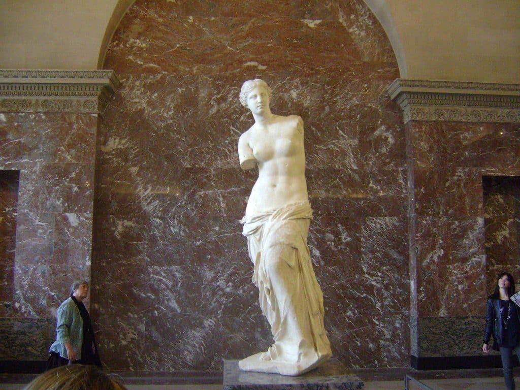 visiter_statue_venus_milo