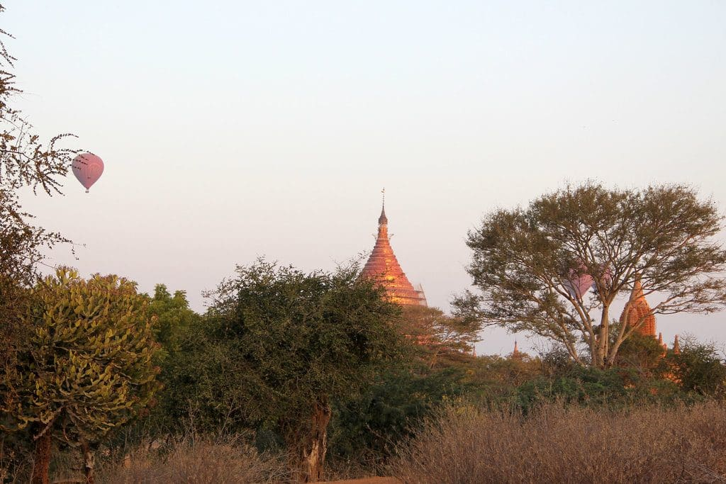 prix birmanie montgolfiere