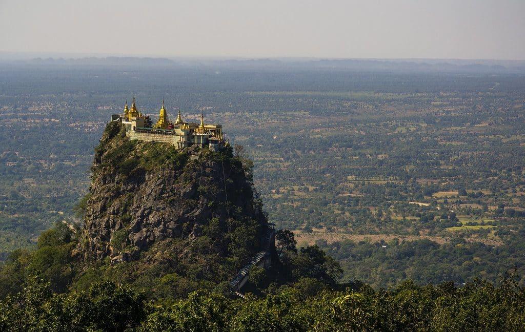 photo myanmar mont popa monastere