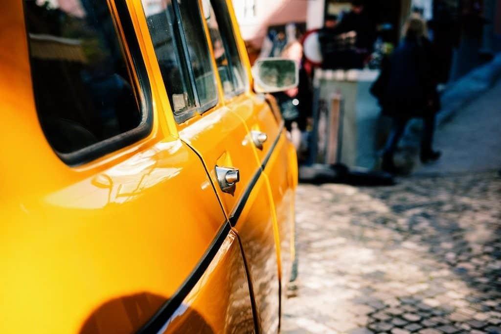 lisbonne taxi jaune