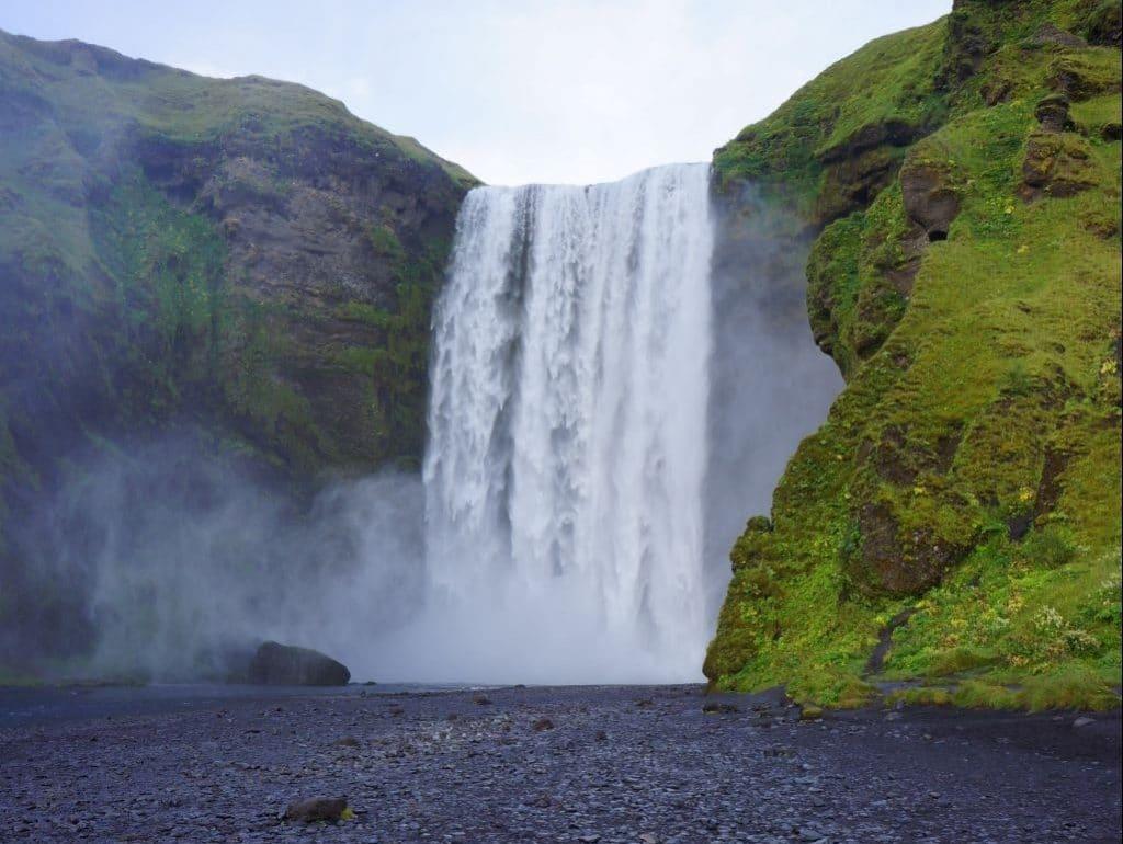 cascade skogafoss visiter l'islande
