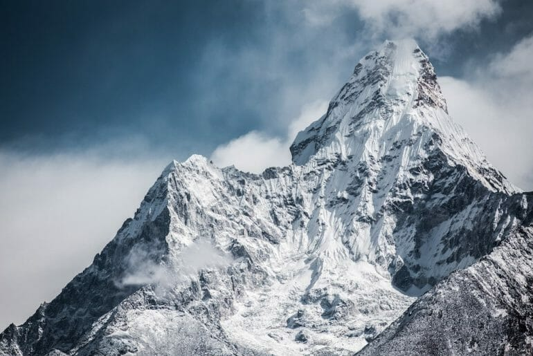 everest nepal plus haut sommet du monde