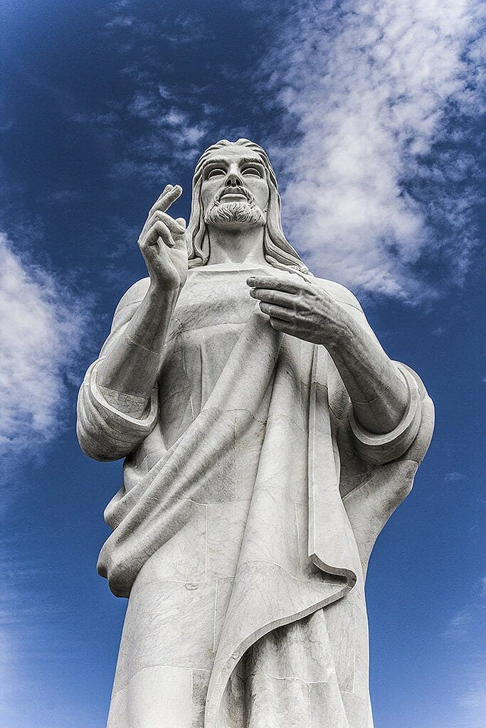 statue christ visiter havane